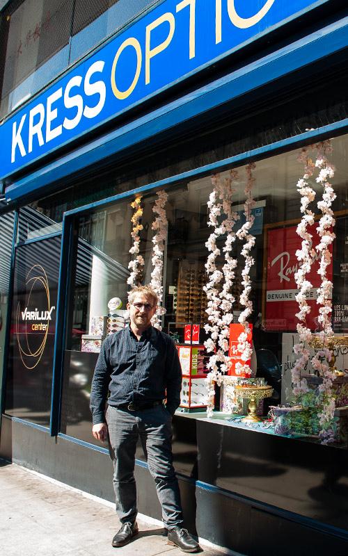 Kress Optic avec Laurent Kress et Michel Cavin en tant que directeur pour la lunetterie et Philippe Lutz pour le centre de lentilles de contact.
